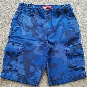 Arizona Blue Camo Cargo Shorts (Boys size 14)
